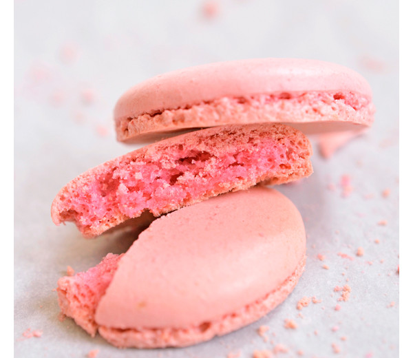 Cut-through macaron