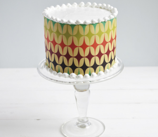 Retro graphic cake